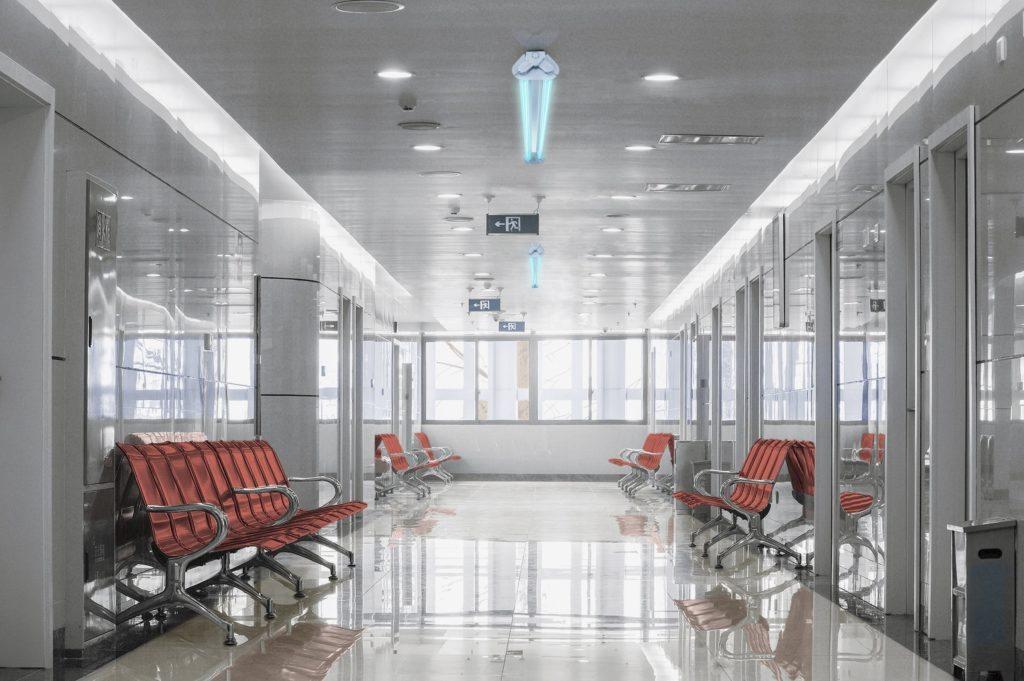 UV-C-Batten-EU-version-Waiting-room