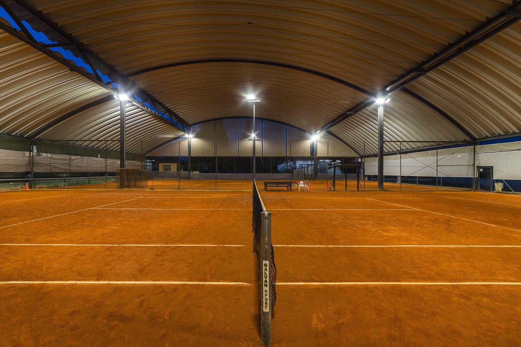 01Schreder_pista_de_tenid_indoor_Polideportivo_Municipal_Torrelodones_Madrid3